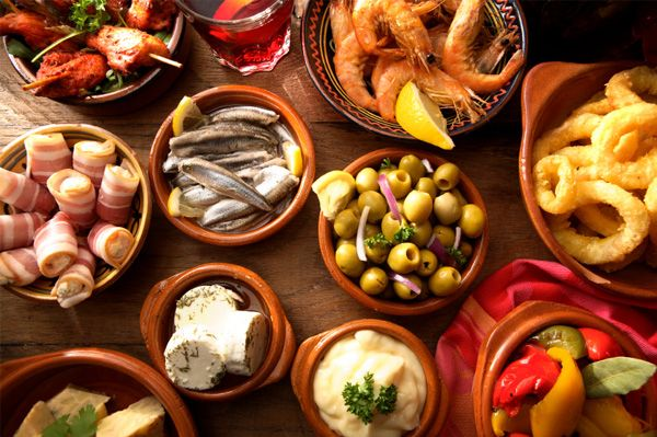 Bron: http://www.sheknows.com/food-and-recipes/articles/818925/How-to-Host-a-Tapas-Party