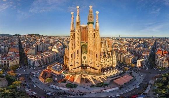 http://hosteldeals.nl/wp-content/uploads/2014/03/sagrada-familia-visit-in-barcelona-38ad8.jpg
